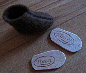 Biegepuppen-Schuh mit Schuheinlagen aus Eisstielen