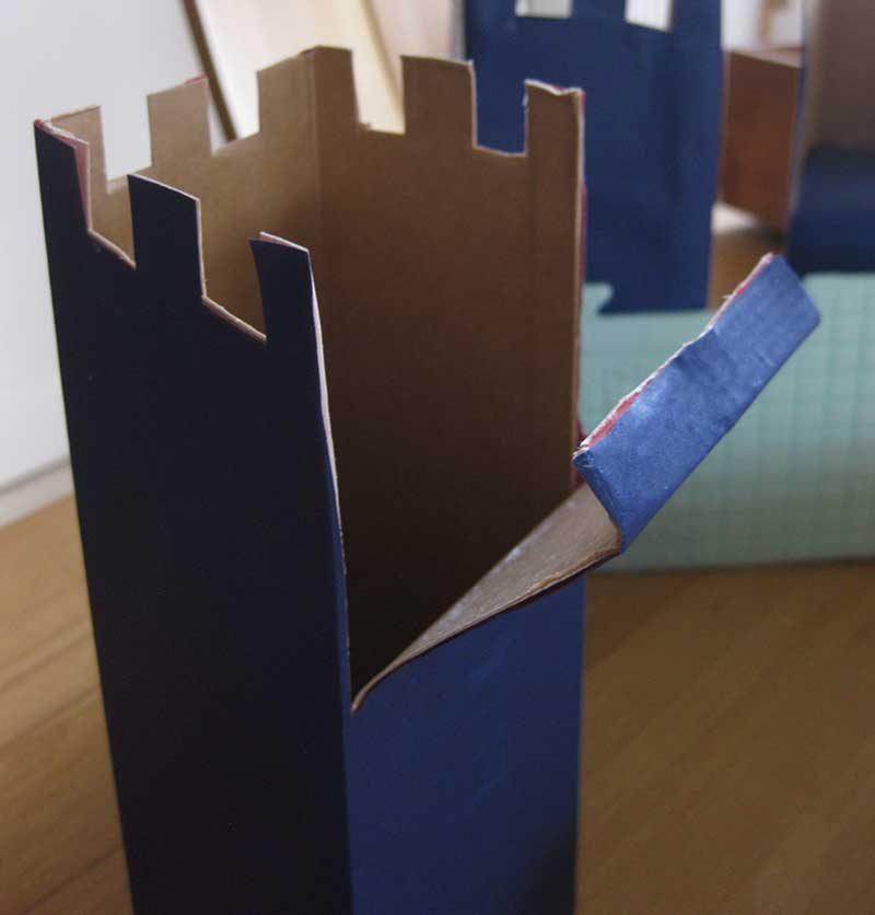 Hersellung eines Wehrturms aus Tetrapack, DIY - Schloss basteln aus Verpackungsmüll