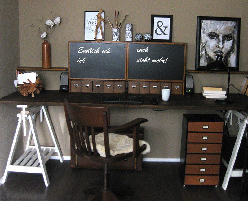 DIY Neuer Schreibtisch mit versteckten Monitoren