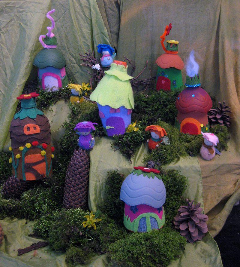 Fertiges Elfental mit Elfenhäuser und Blumenelfen Upcycling und DIY