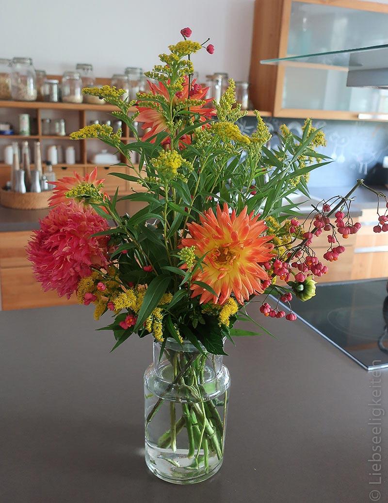 Dahlienstrauß - Blumenstrauß - Herbst