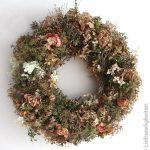 Herbstkranz-Kranz-binden-Kranz-aus-vertrockneten-Blüten