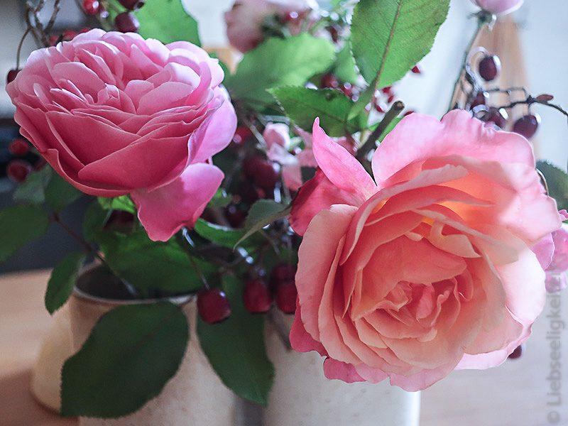 Rosenblüten - Blumenstrauß - Friday-Flowerday