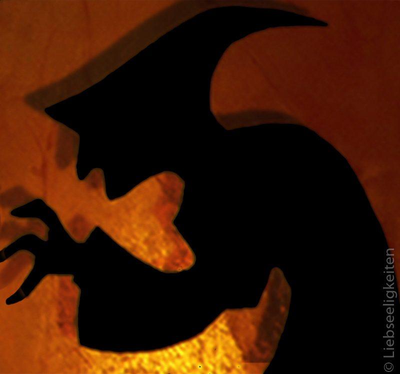 Silhouette einer hexe - Halloween - Basten - DIY