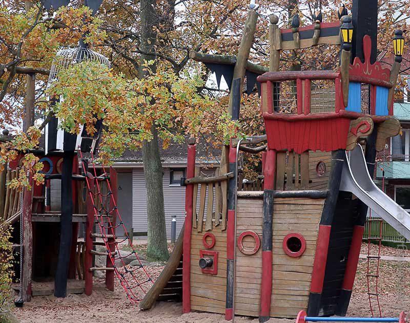 piratenspielplatz scharbeutz klettergerüst