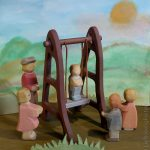 Schaukel - kleine Holzarbeit - Ostheimer Figuren - werken