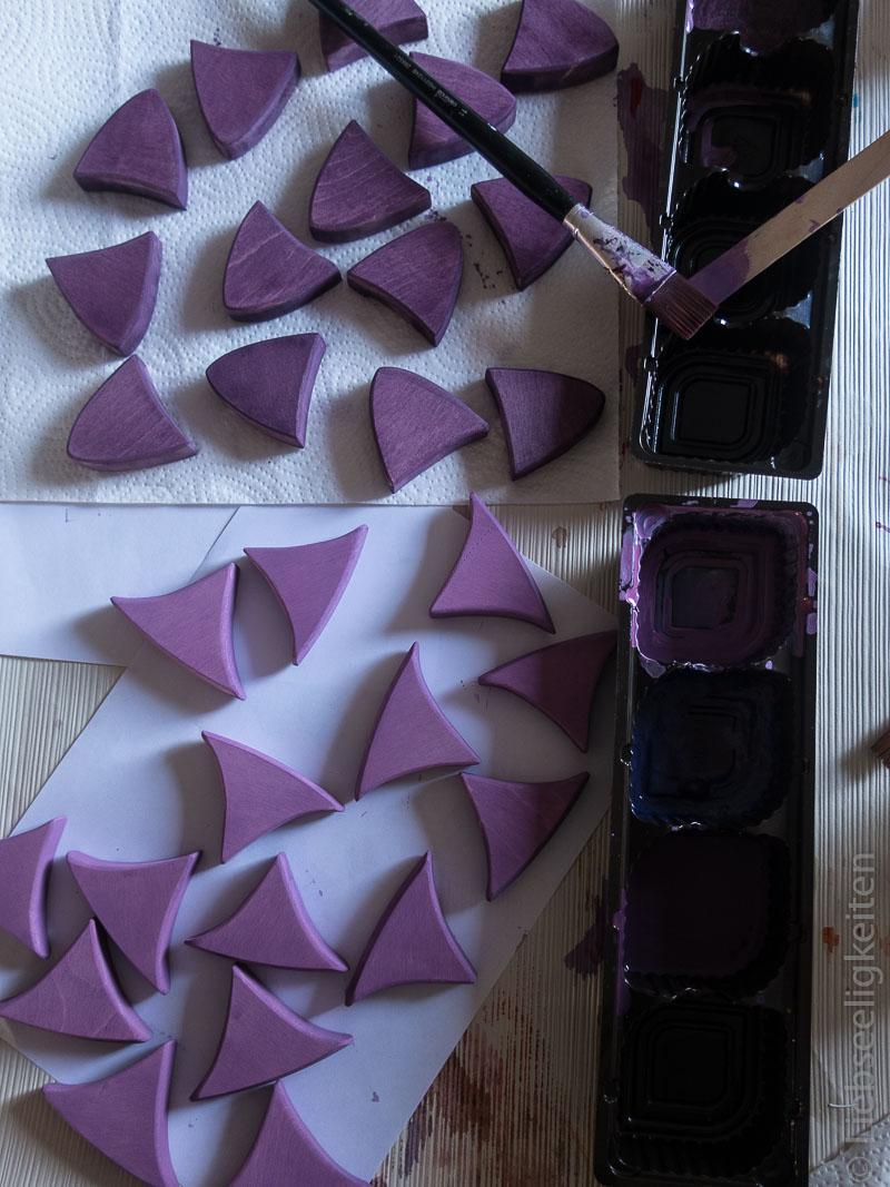 Anmalen der Mandalateile mit Acrylfarbe - Legespiel
