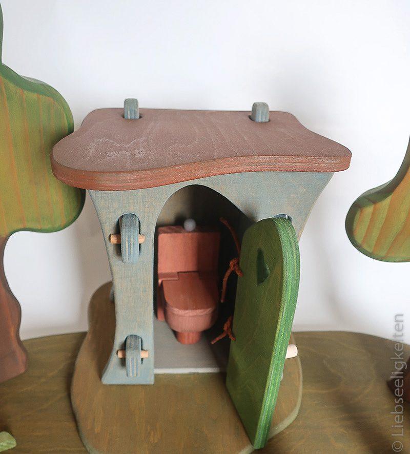 Ein Blick ins Innere des Plumpsklos für die Ostheimer