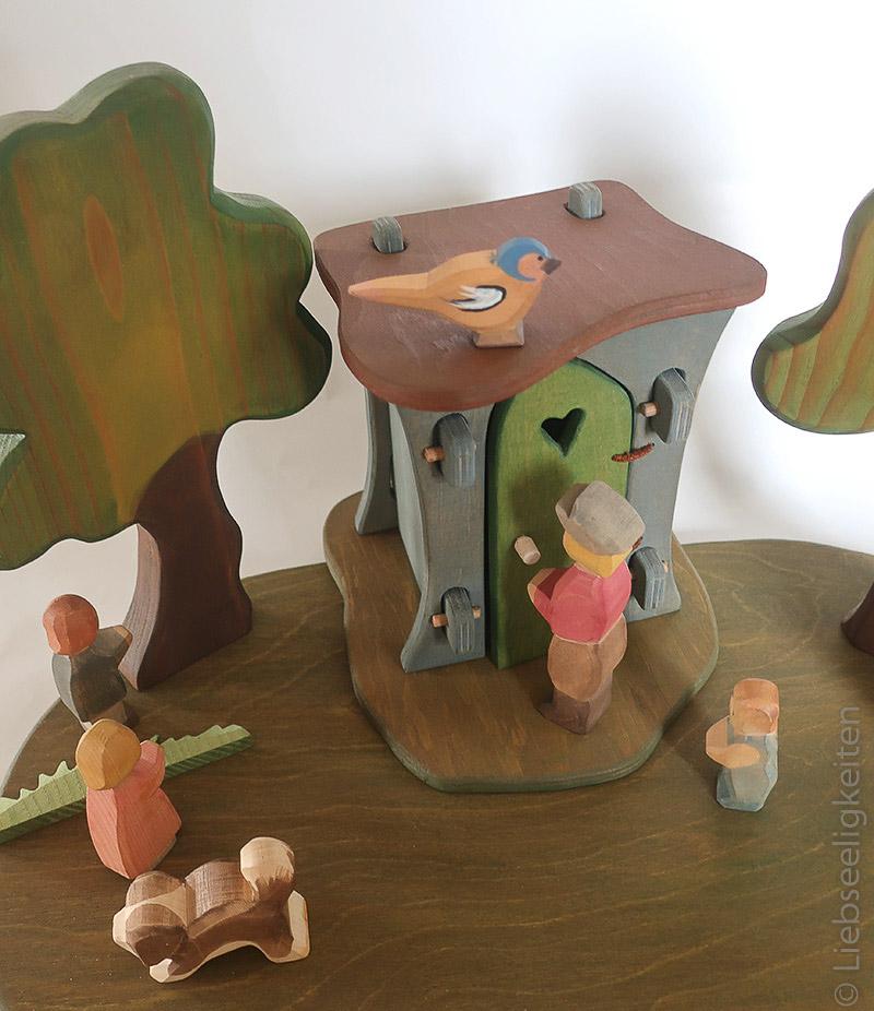 Holzspielzeug - Toilette für die Ostheimer Figuren - Plumpsklo