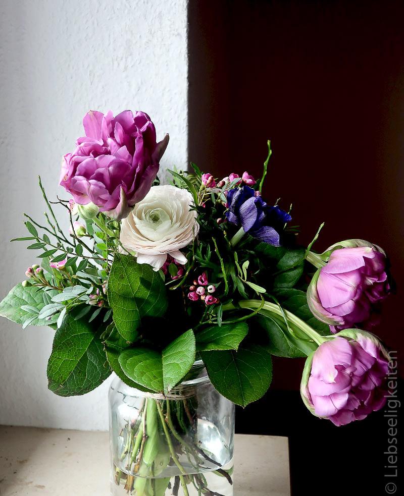 Blumenstrauß - Frühling - Tulpen - Ranunkeln und Anemone