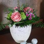 Osterstrauß - Blumenstrauß mit Rosen und Schneeball