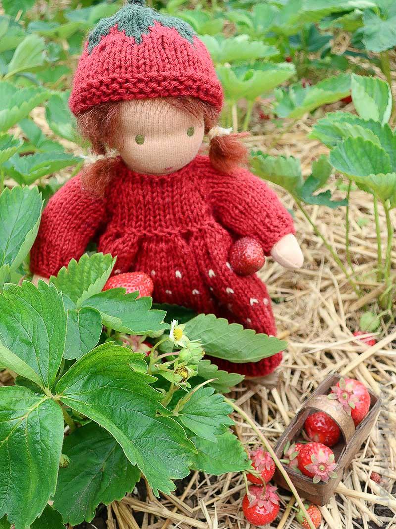 Erdbeerkind - Puppe nach waldorfart Liebseeligkeiten