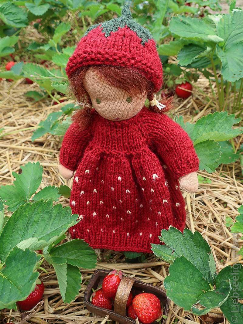 Stoffpuppe - Liebseeligkeiten Puppe nach waldorfart - Erdbeerkind - Stricken