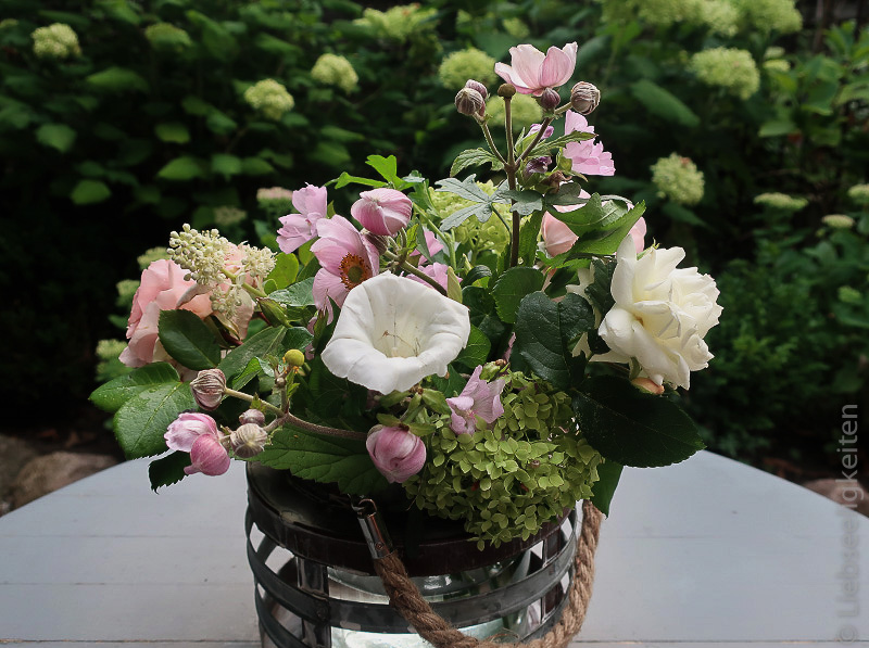 Blumen in der Vase - kleiner Sommerstrauß