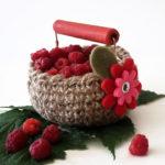 DIY -Kleiner gehäkelter Obstkorb mit Himbeeren - Korb aus Jutegarn