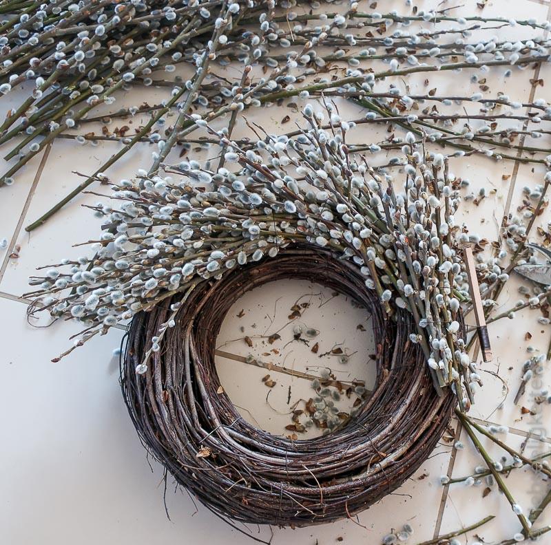 Weidenkranz binden - Kranz aus Weidenkätzchen binden