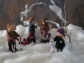 Biegepuppen-Familie-im-Schnee