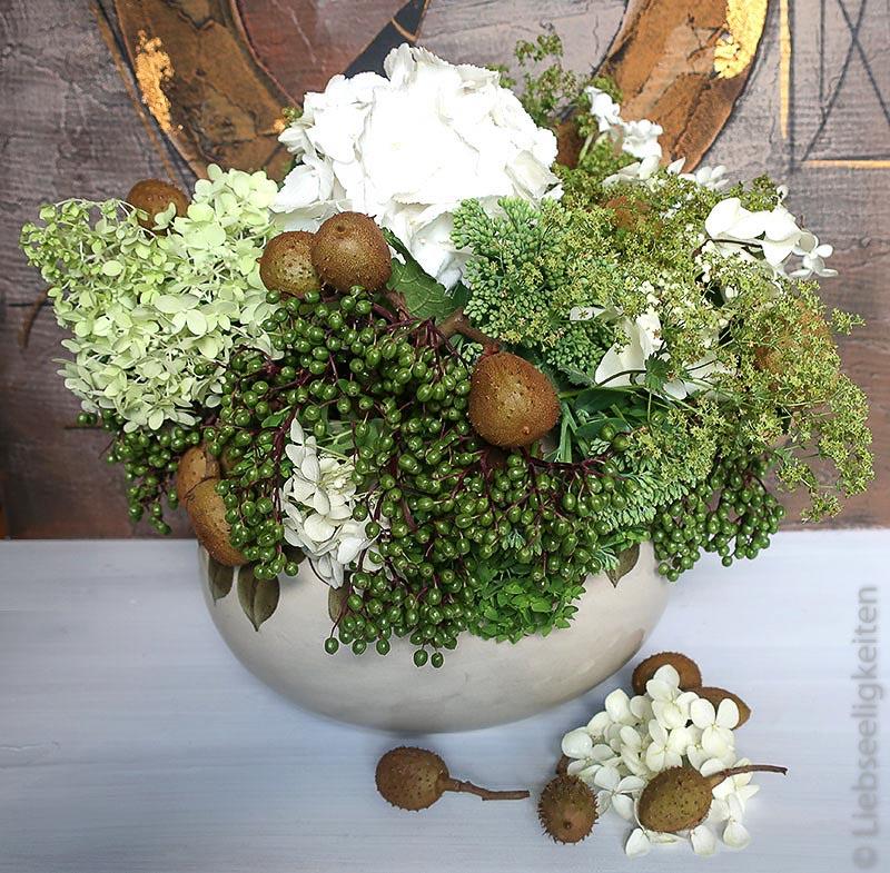 Blumenstrauß - Hortensien -Holunderbeeren - Rosskastanie